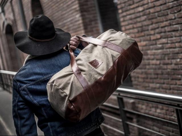 bolsos y mochilas para hombres